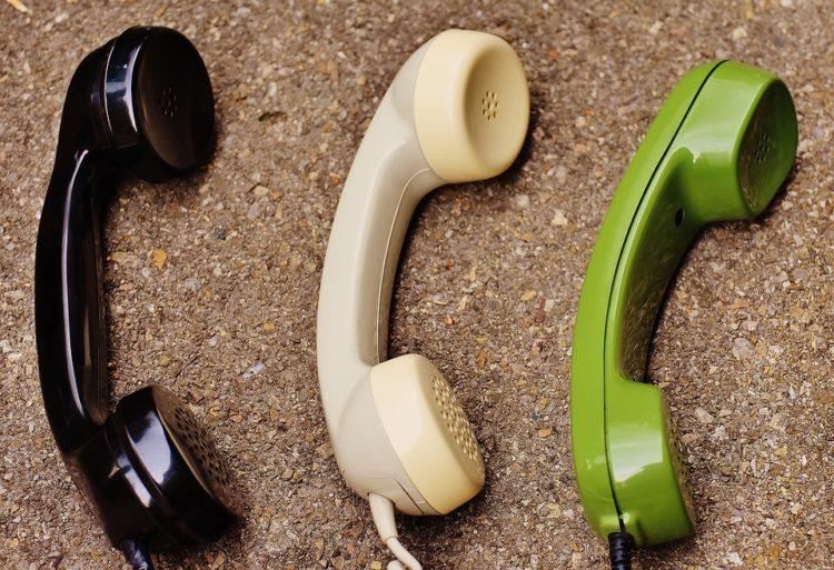 Le répondeur téléphonique (message d'attente) et les documents administratifs dans le marketing